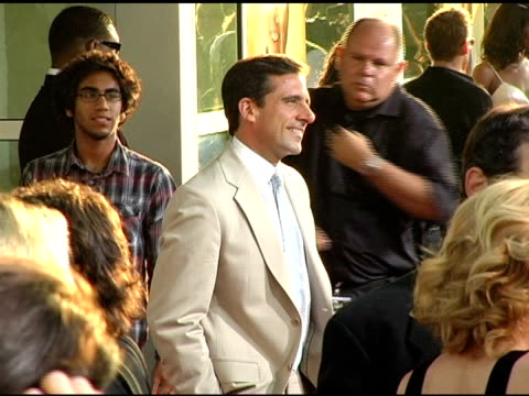 steve carell at the 'the 40yearold virgin' premiere at arclight cinemas in hollywood california on august 11 2005 - arclight cinemas hollywood stock videos and b-roll footage