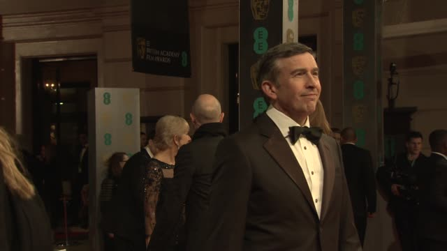vidéos et rushes de steve coogan at ee british academy film awards at the royal opera house on february 16 2014 in london united kingdom - steve coogan