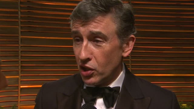 vidéos et rushes de interview steve coogan at the 2014 vanity fair oscar party hosted by graydon carter arrivals on march 02 2014 in west hollywood california - steve coogan