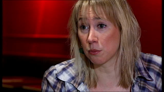 stockvideo's en b-roll-footage met steve coogan criticises 'top gear' over antimexican jokes tiffany stevenson interview sot comments on antimexican comments on 'top gear' reporter to... - steve coogan