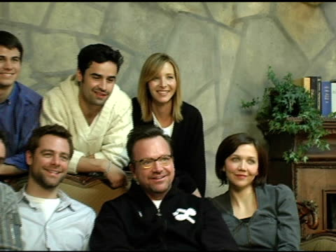 steve coogan david sutcliffe tom arnold maggie gyllenhaal don roos director jason ritter jesse bradford and lisa kudrow of 'happy endings' at the... - film director video stock e b–roll