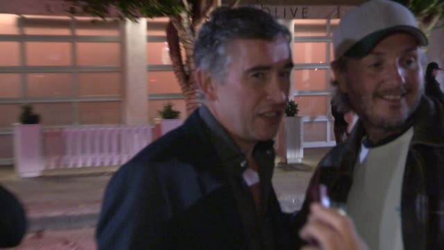 steve coogan on judi dench & monty python at the miss golden globe celebration at fig & olive in west hollywood in celebrity sightings in los angeles... - モンティ・パイソン点の映像素材/bロール