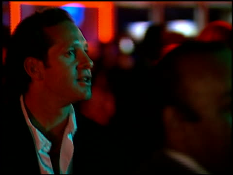 steve guttenberg at the 'batman and robin' premiere on june 12, 1997. - スティーヴ グッテンバーグ点の映像素材/bロール