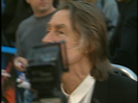 steve guttenberg at the batman & robin premiere at westwood in westwood, ca. - スティーヴ グッテンバーグ点の映像素材/bロール