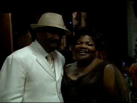 steve harvey and mo'nique at the 2006 bet awards portrait studio at the shrine auditorium in los angeles, california on june 27, 2006. - shrine auditorium stock videos & royalty-free footage