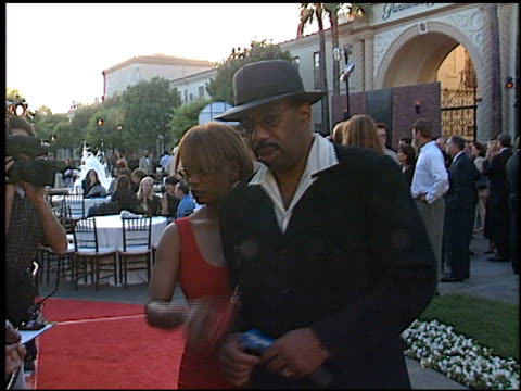 steve harvey at the premiere of 'the score' at paramount studios in hollywood california on july 9 2001 - paramount studios stock videos & royalty-free footage