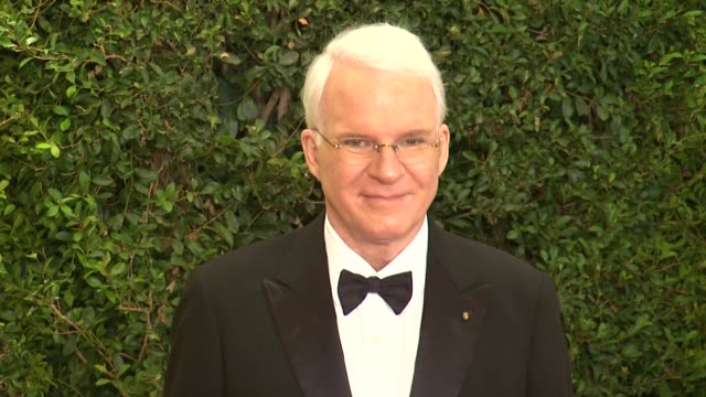 steve martin at academy of motion picture arts and sciences' governors awards in hollywood ca on - 映画芸術科学協会点の映像素材/bロール