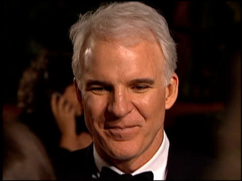 steve martin at the 1999 academy awards vanity fair party at morton's in west hollywood california on march 21 1999 - スティーブ マーティン点の映像素材/bロール