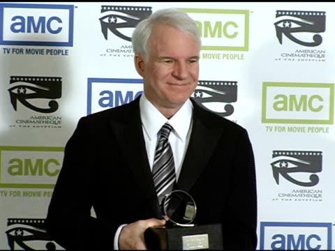 steve martin at the 19th annual american cinematheque award honoring steve martin at the beverly hilton in beverly hills california on november 12... - スティーブ マーティン点の映像素材/bロール