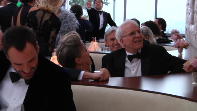 steve martin at the 2012 vanity fair oscar party hosted by graydon carter inside party at west hollywood ca - スティーブ マーティン点の映像素材/bロール