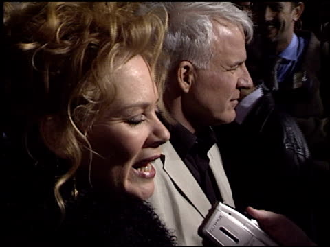 steve martin at the 'bringing down the house' premiere at the el capitan theatre in hollywood california on march 2 2003 - el capitan kino stock-videos und b-roll-filmmaterial