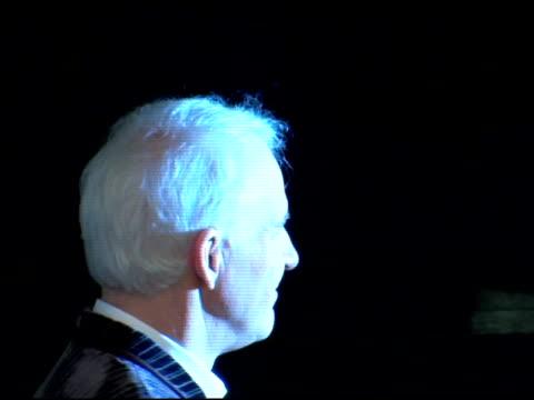 steve martin at the 'shopgirl' new york premiere at the beekman theater in new york new york on october 17 2005 - スティーブ マーティン点の映像素材/bロール
