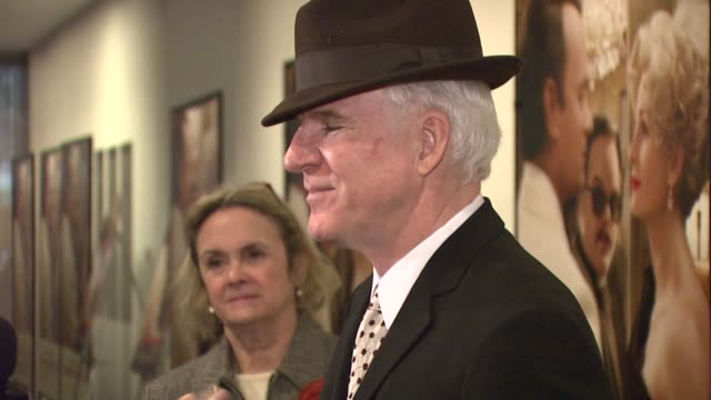 steve martin at the special screening of 'charlie wilson's war' at the museum of modern art in new york new york on december 16 2007 - スティーブ マーティン点の映像素材/bロール