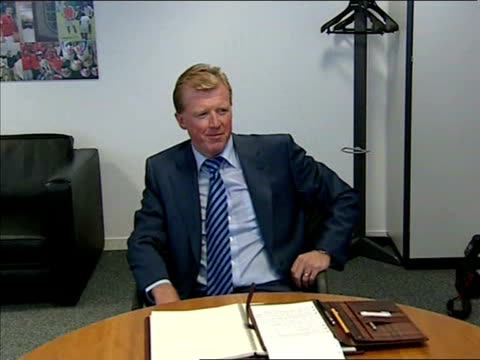 stockvideo's en b-roll-footage met steve mcclaren takes over as england manager, gives interview; england: london: soho square: fa hq: int **mute interview** steve mcclaren seated in... - english football association