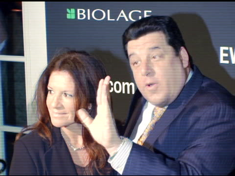 steve schirripa and laura schirripa at the entertainment weekly's viewing party for 2006 academy awards at elaine's in new york, new york on march 5,... - エンターテインメント・ウィークリー点の映像素材/bロール