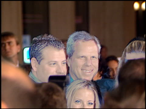 vidéos et rushes de steve tisch at the 'american history x' premiere at century plaza in century city, california on october 26, 1998. - century plaza