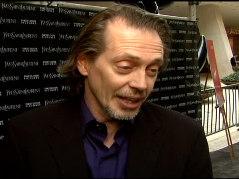 steven buscemi who was there with his wife talked about the segment he was in 'tuileries' which was written and directed by the coen brothers he... - filmpremiere stock-videos und b-roll-filmmaterial