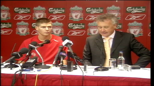steven gerrard to stay at liverpool itn liverpool anfield photography*** steven gerrard sitting at press conference with rick perry steven gerrard... - mercenary human role stock videos & royalty-free footage