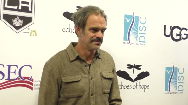 vídeos y material grabado en eventos de stock de steven ogg at the luc robitaille celebrity shootout at toyota sports center in el segundo at celebrity sightings in los angeles on march 20 2016 in... - toyota sports center