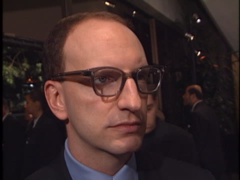 steven soderbergh at the traffic premiere at academy theater, beverly hills in beverly hills, ca. - traffic点の映像素材/bロール