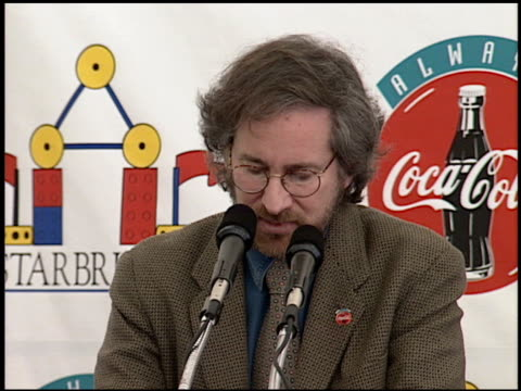 Steven Spielberg at the Starbright Foundation Center on October 29 1993