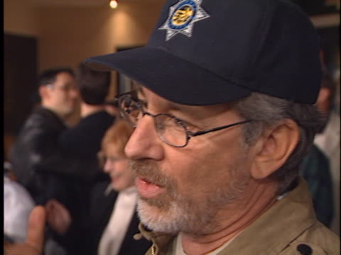 steven spielberg at the the road to el dorado premiere at manns village theater westwood in westwood ca - baseballmütze stock-videos und b-roll-filmmaterial