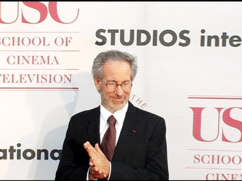 steven spielberg at the usc school of film and television's 75th anniversary gala at hobart auditorium in los angeles california on september 26 2004 - 75th anniversary stock videos & royalty-free footage