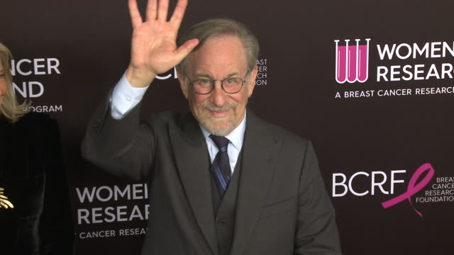 """steven spielberg at wcrf's """"an unforgettable evening"""" in los angeles ca - steven spielberg stock videos & royalty-free footage"""