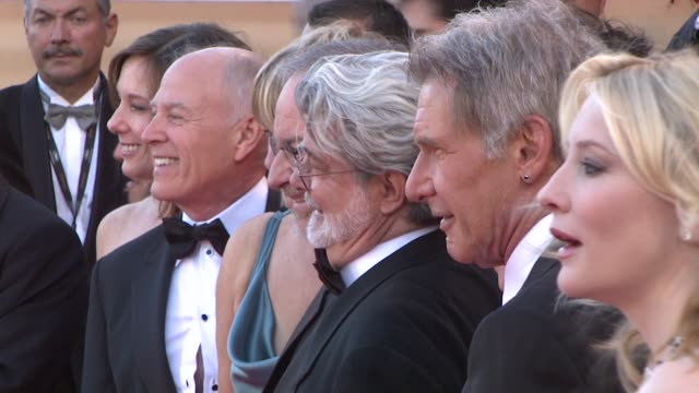 vídeos de stock, filmes e b-roll de steven spielberg george lucas and harrison ford at the 2008 cannes film festival indiana jones and the kingdom of the crystal skull world premiere in... - george lucas