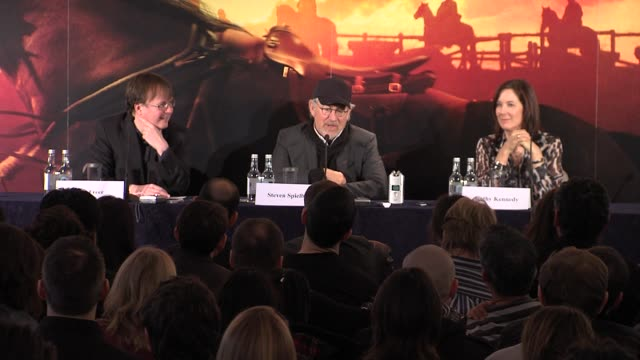 steven spielberg on not talking about lincoln and on choosing his movies and how he always tries to get out of them at the war horse press conference... - 映画 リンカーン点の映像素材/bロール