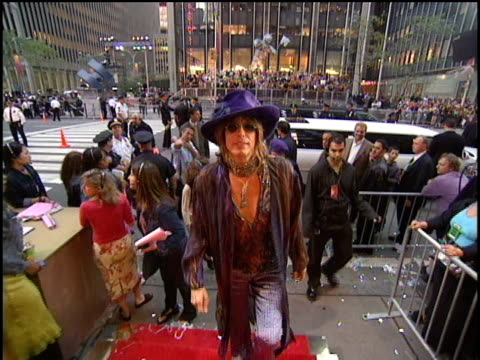 steven tyler and brad whitford of aerosmith arrive at the 2000 video music awards at radio city hall. - steven tyler musician stock videos & royalty-free footage