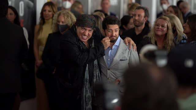 """steven van zandt and john magaro attend the """"the many saints of newark"""" tribeca fall preview at beacon theatre on september 22, 2021 in new york city. - スティーブン ヴァン ザント点の映像素材/bロール"""