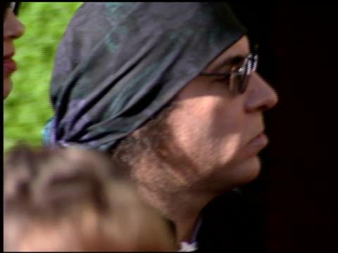 steven van zandt at the 1999 emmy awards at the shrine auditorium in los angeles, california on september 12, 1999. - スティーブン ヴァン ザント点の映像素材/bロール