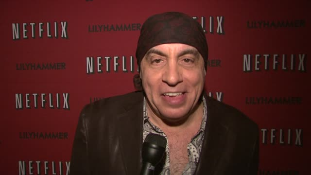 steven van zandt introduces lilyhammer at north american premiere of lilyhammer, a netflix original series at crosby street hotel on 02/01/12 in new... - スティーブン ヴァン ザント点の映像素材/bロール