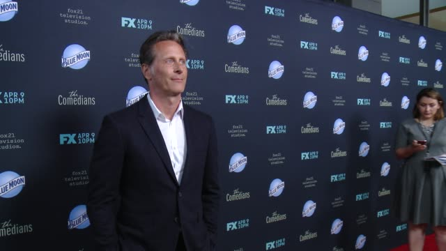 vídeos y material grabado en eventos de stock de steven weber at the comedians los angeles premiere at the eli and edythe broad stage on april 06 2015 in santa monica california - steven weber