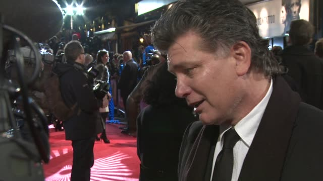 steven zaillian at the girl with the dragon tattoo world premiere at odeon leicester square on december 12 2011 in london england - odeon leicester square stock videos and b-roll footage