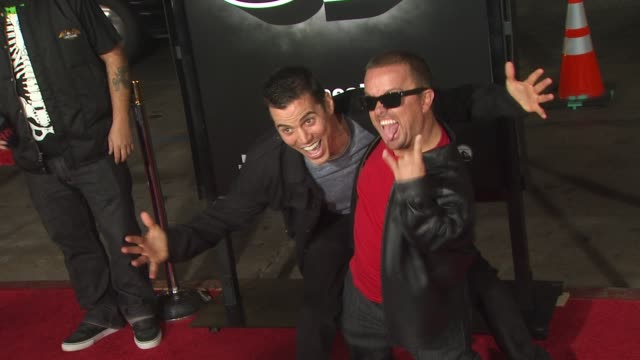 steve-o and jason 'wee man' acuna at the 'jackass 3d' premiere at hollywood ca. - steve o stock videos & royalty-free footage