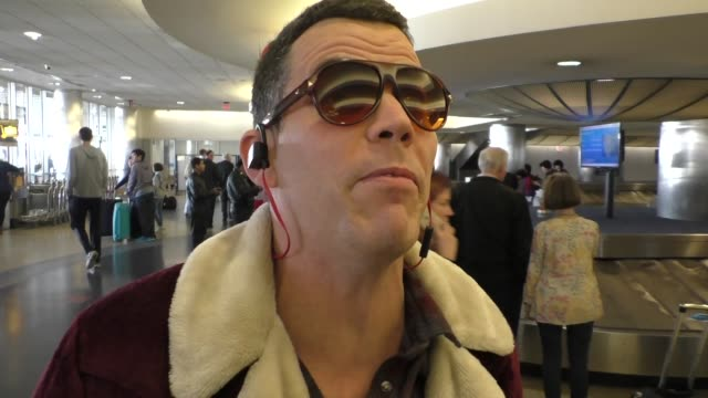 steve-o arriving at lax airport in los angeles on march 07, 2016 - steve o stock videos & royalty-free footage
