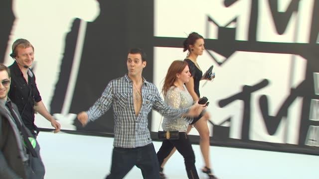 steve-o at the 2010 mtv video music awards at los angeles ca. - steve o stock videos & royalty-free footage