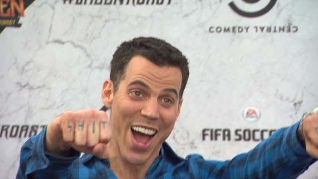 steve-o at the comedy central roast of charlie sheen at los angeles ca. - steve o stock videos & royalty-free footage