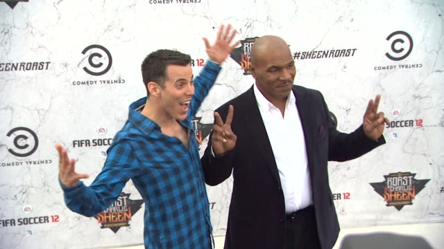 steve-o, mike tyson at the comedy central roast of charlie sheen at los angeles ca. - steve o stock videos & royalty-free footage