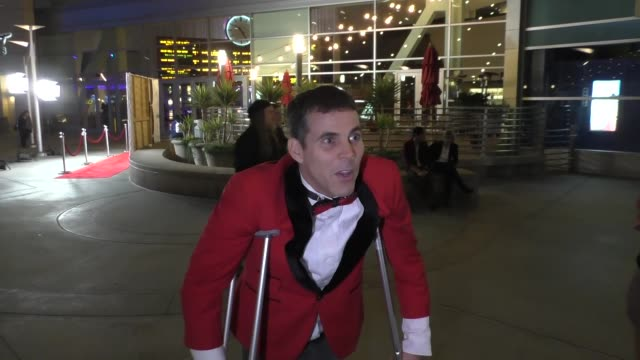 steve-o on hillary clinton and donald trump at arclight cinemas in hollywood at celebrity sightings in los angeles on october 15, 2016 in los... - steve o stock videos & royalty-free footage