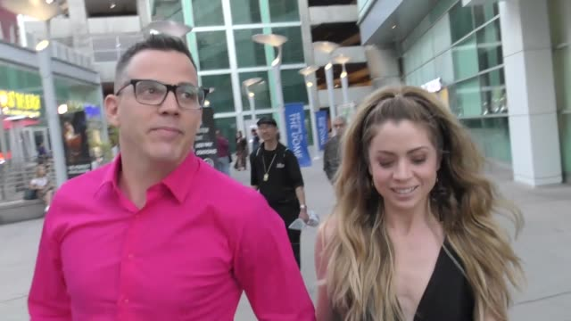 steve-o talks about getting married outside the dirt premiere at arclight theatre in hollywood in celebrity sightings in los angeles, - steve o stock videos & royalty-free footage