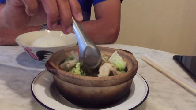 stew pork rib and herbal soup (bak kut teh) - bowl stock videos & royalty-free footage