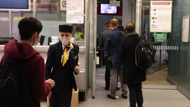 stewardess welcomes the guests for the final lufthansa airline flight before the closing of tegel airport 07, 2020 in berlin, germany. tegel is... - crew stock videos & royalty-free footage