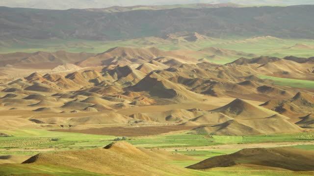 still beauty of quru river valley peaks - 長さ点の映像素材/bロール