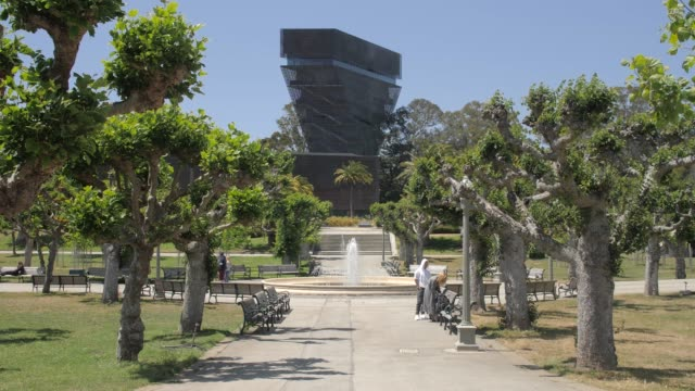 still shot of de young museum in golden gate park, san francisco, california, united states of america, north america - museum stock videos & royalty-free footage