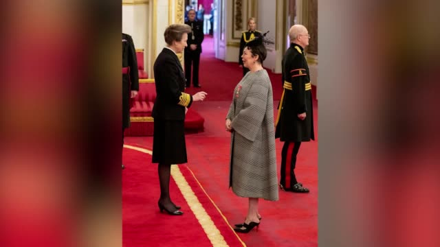 actress olivia colman receives a cbe from the princess royal during an investiture ceremony at buckingham palace. colman has missed the chance to... - arts culture and entertainment stock videos & royalty-free footage