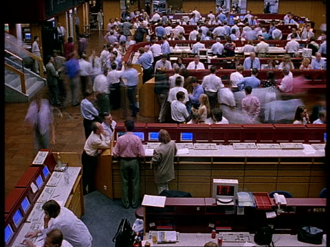 stock brokers work on the trading floor of the frankfurt stock exchange. - frankfurt stock exchange stock videos and b-roll footage
