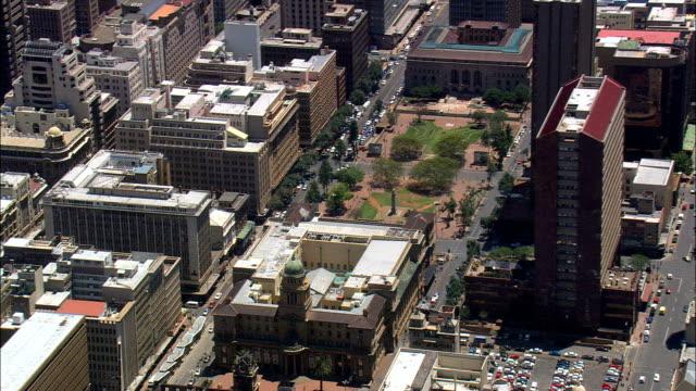 stockvideo's en b-roll-footage met beurs - luchtfoto - gauteng, stad johannesburg grootstedelijke gemeente, stad van johannesburg, zuid-afrika - johannesburg